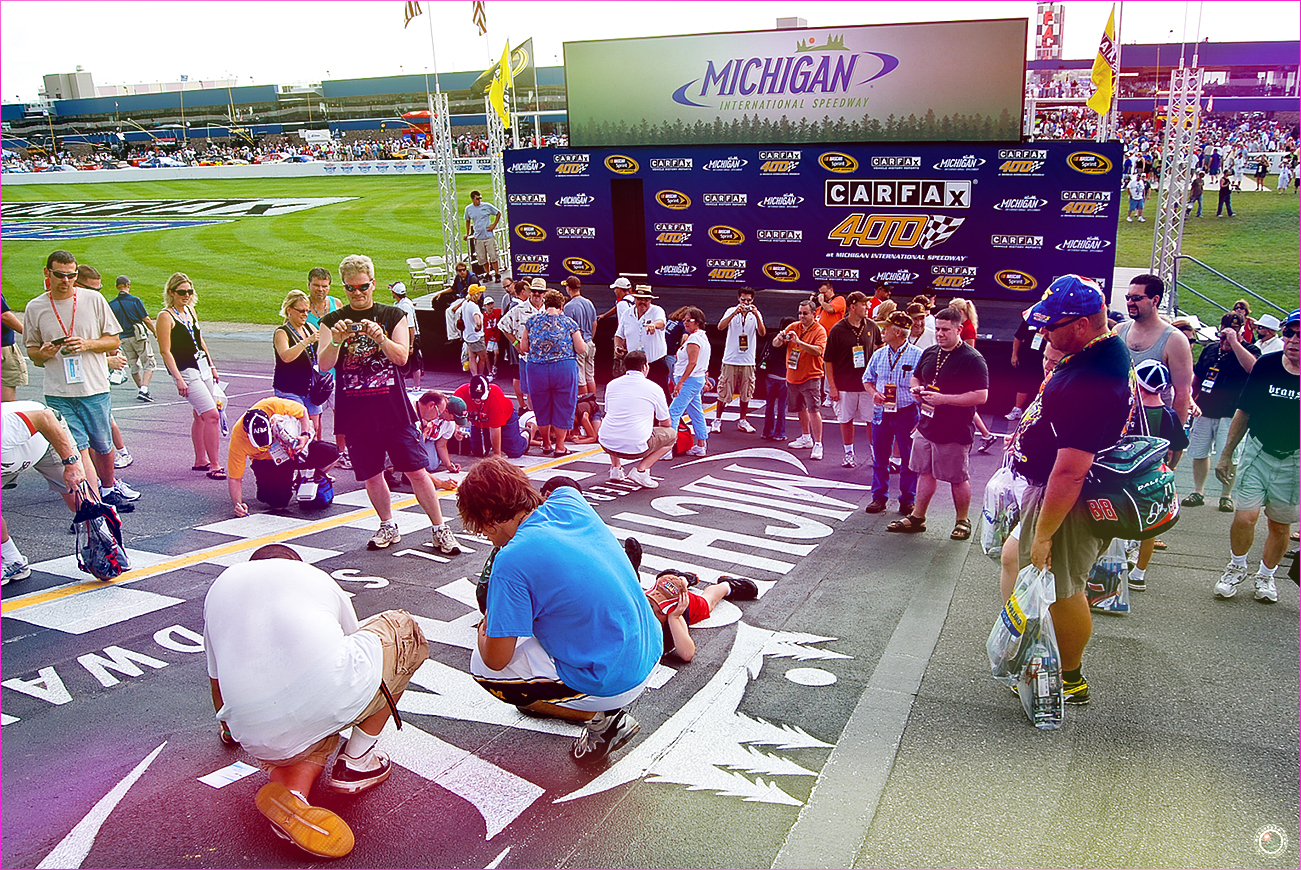 27 Nascar Track Fan Signature