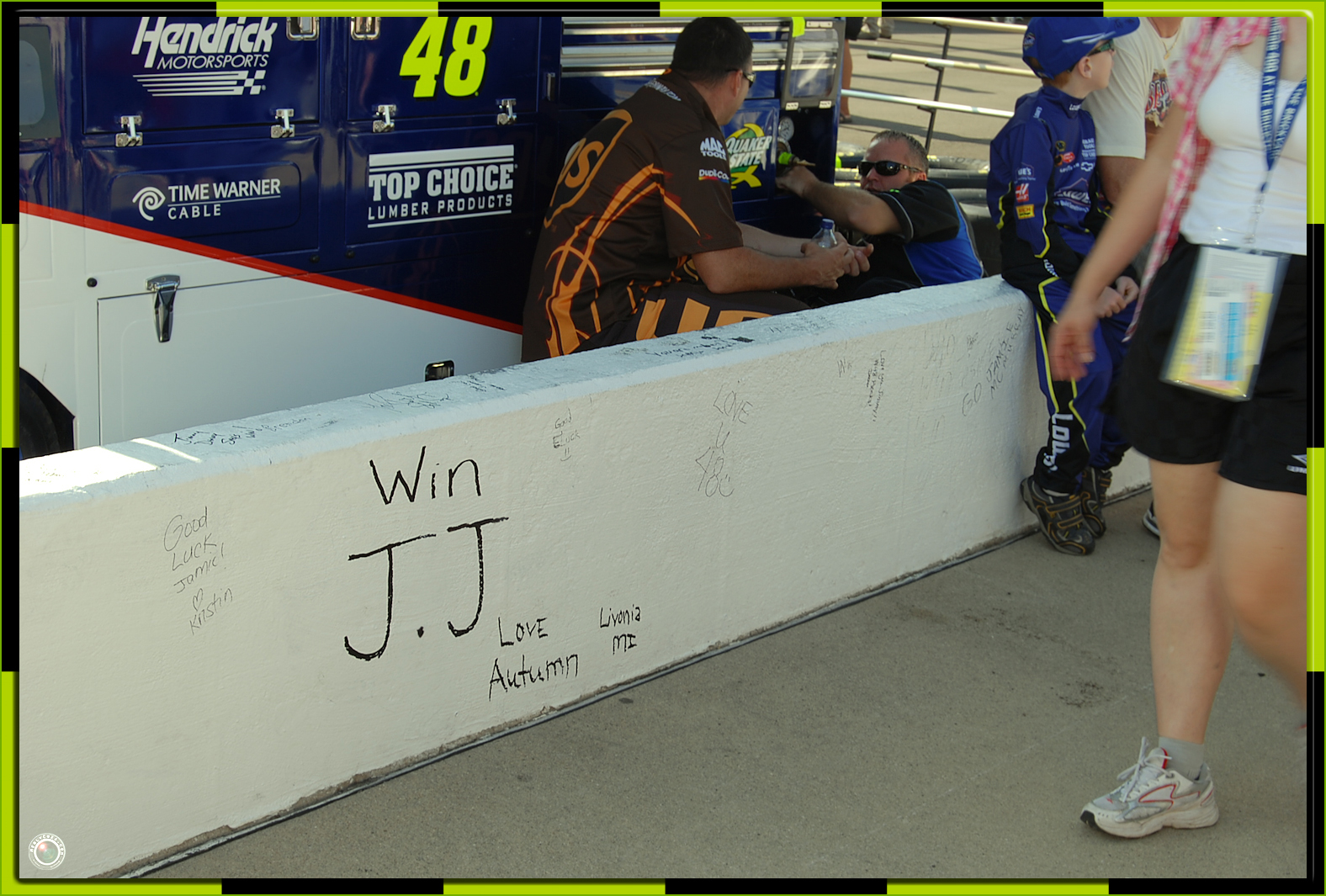 41 Pit Road Wall Words